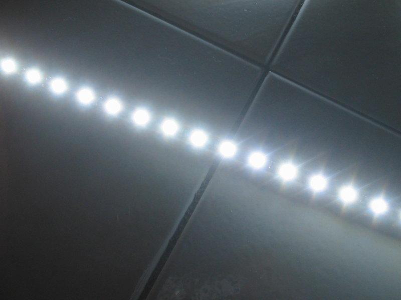 5m led strip bianco flessibile 12v con alimentatore c1f1 - Luci a led casa ...
