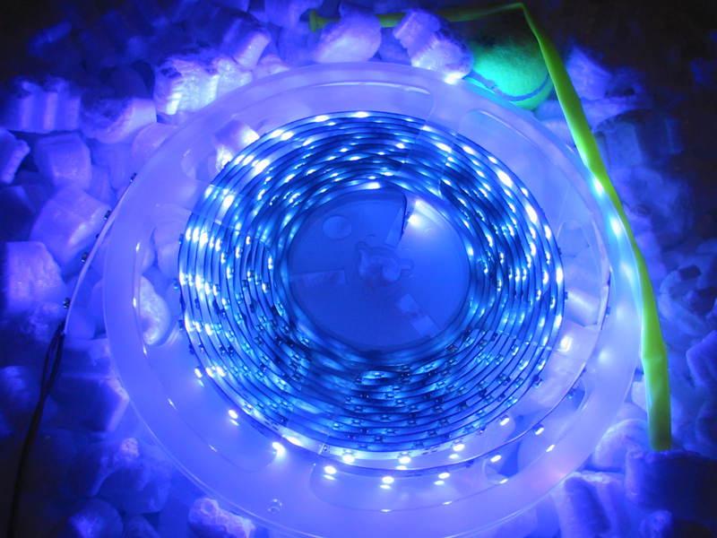 uv 5m strip led streifen ultraviolette strahlung lampe. Black Bedroom Furniture Sets. Home Design Ideas
