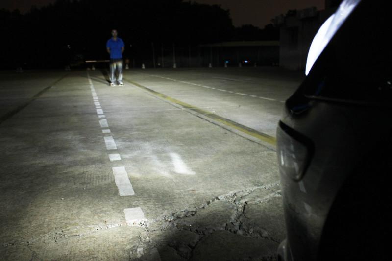 Светодиодная автомобильная лампа H4 с вентилятором.
