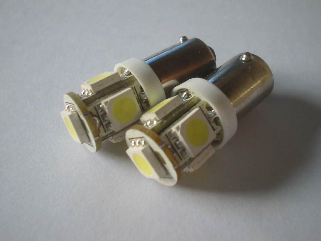 COPPIA LAMPADINE LAMPADE LED BA9XS H6W PIEDI STORTI Q1