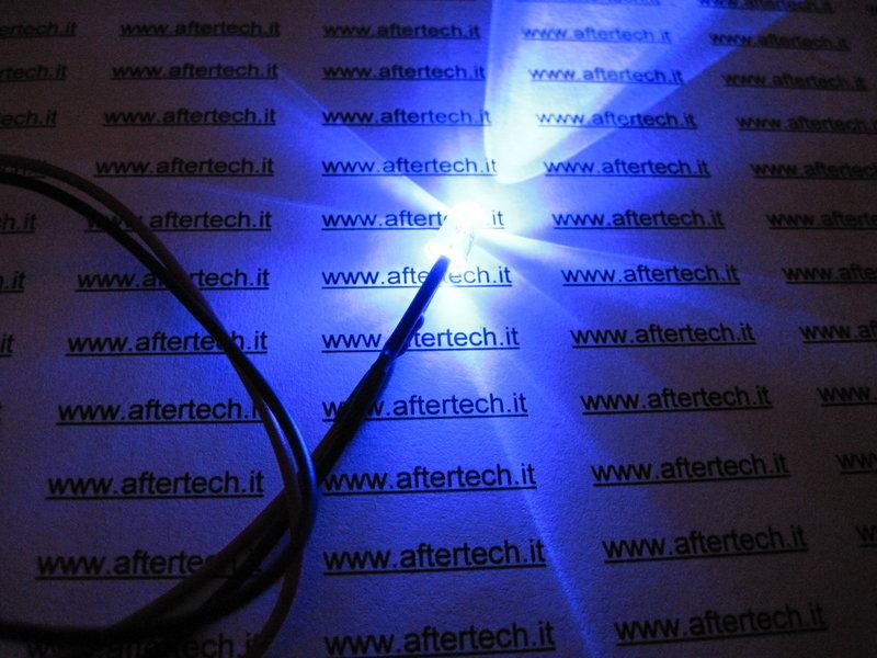 10 LED BIANCHI 5mm 20.000mcd CABLATI 30cm CON RESISTENZA 12v CON CAVO A2B31